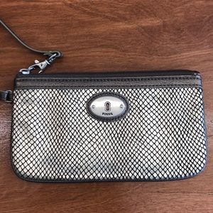Fossil Wristlet scale brown